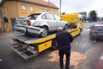 Autobestuurder lichtgewond na botsing met vrachtwagen in Herderen