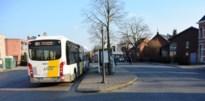 """Liefdesrivalen (19) gaan op de vuist aan bushalte na school: """"Puur machogedrag"""""""