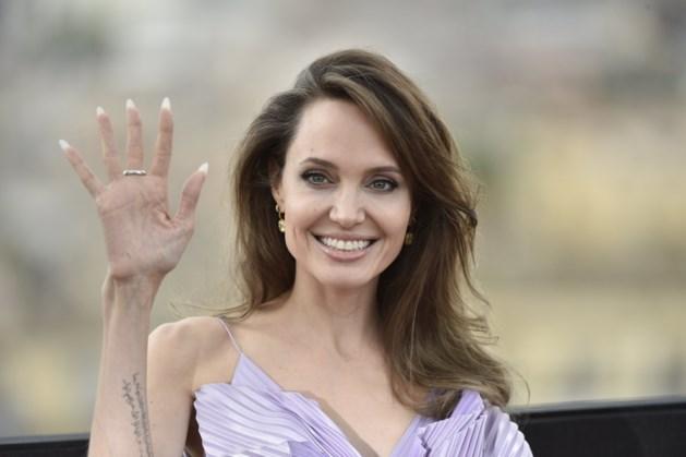Angelina Jolie poseert naakt en praat openhartig over haar scheiding