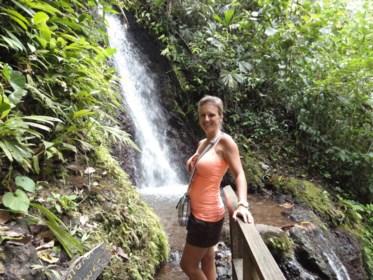 """Hasseltse Kim verhuisde van Amerika naar Costa Rica: """"In mijn hart is het elke dag vakantie"""""""