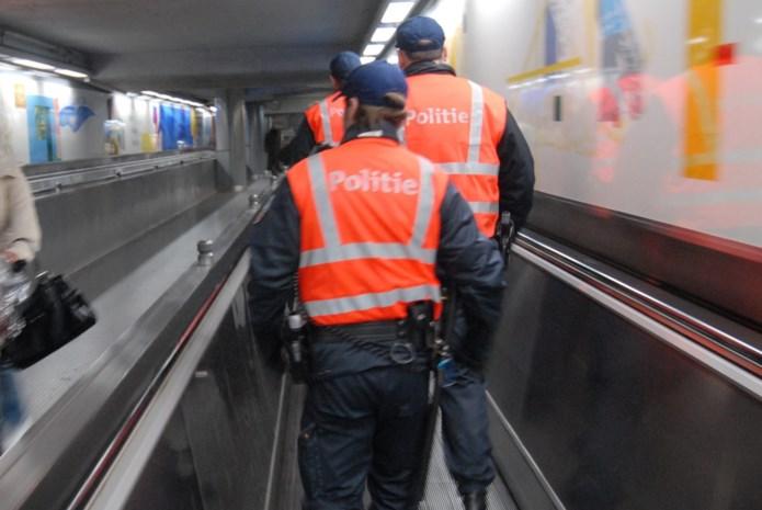 Vrouw duwt reiziger op metrosporen in Brussel, parket opent onderzoek