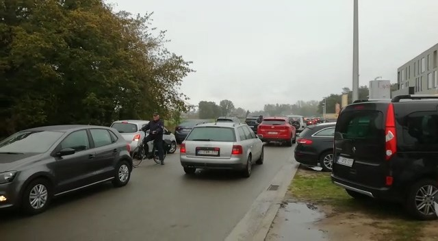 Verkeerschaos door stormloop op Jumbo in Pelt