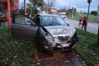 Twee gewonden bij kop-staartbotsing in Bommershoven