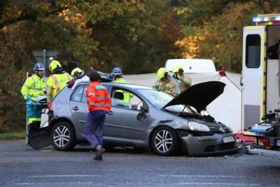 Twee mensen bevrijd na zware klap op kruispunt Haagdoorndijk in Neerpelt