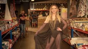 """Naomi loopt modeshow voor Regenbooghuis: """"Als jongetje droomde ik er al van om miss te worden"""""""