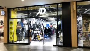 Plunderingen bij sportwinkelketen JD Sports na racistische uitlatingen