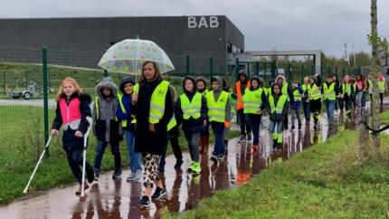 150 Truiense leerlingen vragen aandacht voor verkeerszichtbaarheid op Fluodag