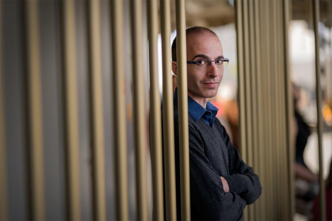 Yuval Harari, de schrijver die concerttempels vult