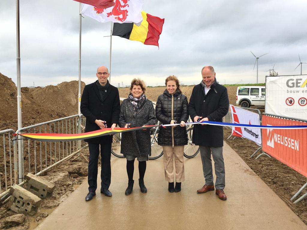 Grensoverschrijdend fietspad ingehuldigd in Lanaken (Lanaken) - Het Belang van Limburg