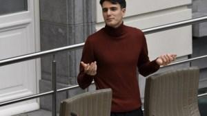 Blijft Conner Rousseau in Vlaams Parlement zetelen? SP.A vraagt uitzondering tegen eigen regel