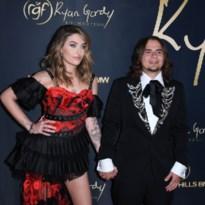 Zeldzaam: zoon en dochter Michael Jackson verschijnen samen