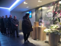 Amper vijftig mensen nemen afscheid van 'Zwarte Lola uit de stripteasebar'