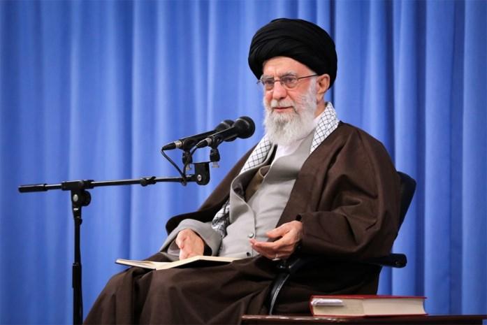 Ondanks hevig protest steunt Khamenei beslissing om benzineprijzen in Iran te verhogen