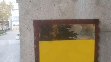 Halve schilderijen in Hasselt uit protest tegen besparingen in cultuursector
