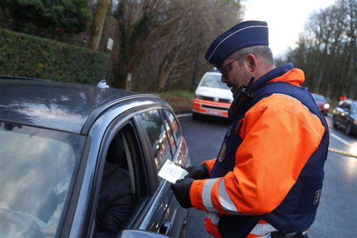 17 rijbewijzen afgenomen in 5 uur tijd bij SLim-controles
