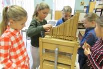 Leerlingen bouwen eigen kerkorgeltje in Kanne