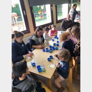 Oma's en opa's toveren De Kleine Piramde om tot vijfsterrenschool