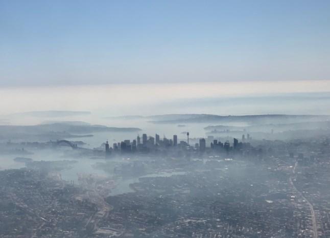 Sydney gehuld in giftige nevel door bosbranden
