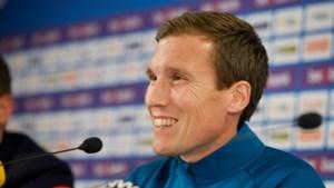 Herbeleef de persvoorstelling van de nieuwe KRC Genk-trainer Hannes Wolf hier