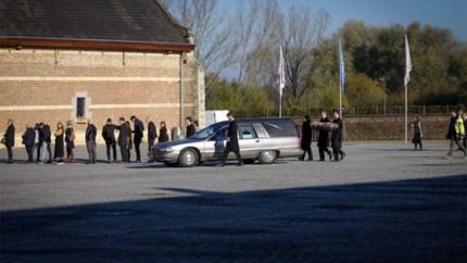 Honderden familieleden en vrienden nemen afscheid van Viktor Rogiers (22)