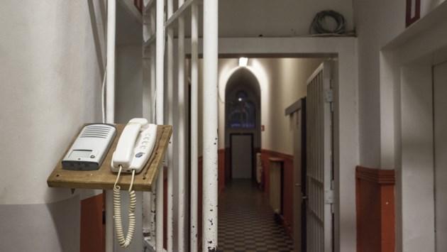 """Verdachte Genkse foltermoord klaagt overheid aan voor """"foltering"""""""