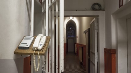"Omgekeerde wereld: verdachte Genkse foltermoord klaagt overheid aan voor ""foltering"""