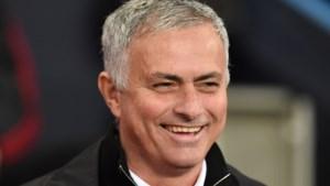 José Mourinho toont zich op eerste persconferentie bij Tottenham van 'bescheiden' kant