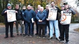 Voorpost en Vlaams Belang betogen tegen schooluitstap naar Mechelse moskee