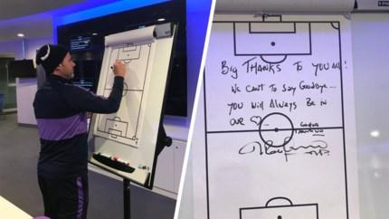 Ontslagen Pochettino nam met emotionele boodschap op tactisch bord afscheid van Tottenham-spelers