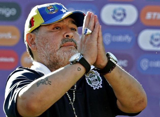Diego Maradona neemt na tweeënhalve maand al ontslag bij Argentijnse club Gimnasia La Plata
