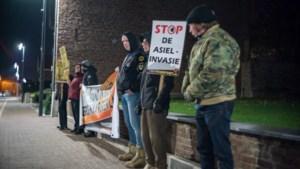 Overheid gaat online leugens over asielcentra zelf counteren