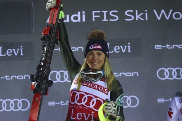Wereldkampioene Mikaela Shiffrin skiet naar recordzege in Finland