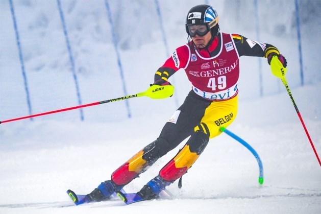 Drie jaar geblesseerd en al meteen opnieuw tussen de wereldtop: jonge Belg verrast in WB-slalom