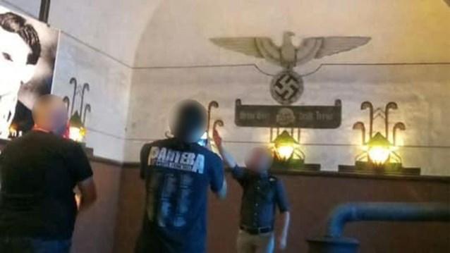 """Man die Hitlergroet bracht, is zoon van voormalig parlementslid: """"Hij haalde een kwajongensstreek uit"""""""