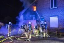 Keukenbrand zet woning in lichterlaaie