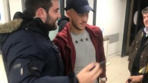 Eden Hazard op krukken, maar blessure na tik Meunier valt mee