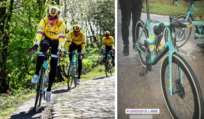 Wout van Aert blijft stappen maken in zijn herstelproces en verkent… kasseien van Parijs-Roubaix