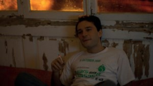 Acteur in Georgische dramafilm schittert in T-shirt van Dwars Door Hasselt
