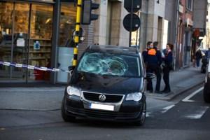 "Slachtoffer na aanrijding op voetpad in Hasselt: ""Wat deed die auto daar?"""