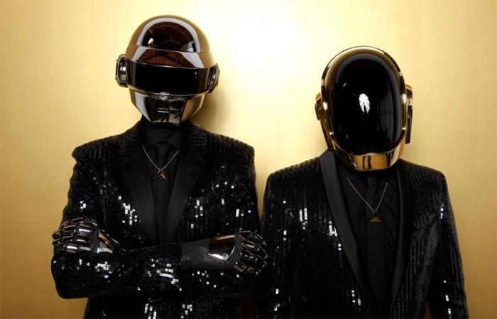 TV-TIPS. Een dodelijk motorongeval en grappen met Daft Punk
