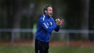 Lunenburg stapt na zes matchen op als Pelt-coach