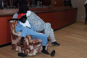 Zwarte Pieten vallen in slaap bij CLAP