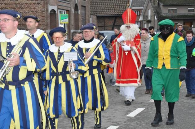 Tromgeroffel en  trompettengeschal voor Sinterklaas