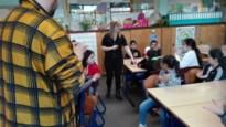 Europaschool maakt kunst en muziek met klasmateriaal