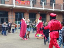 Sint en Piet op bezoek in de Blinker