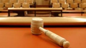 Pink verloren, handen voorgoed beschadigd: stagiair daagt bedrijf voor rechter