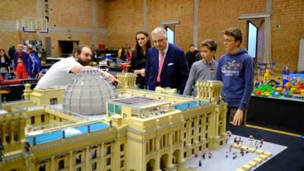 Prins Laurent komt dag vroeger naar Lego-expo in Hasselt