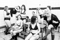 "Rugbydames maken lingeriekalender, ""met alle maten en vormen"""