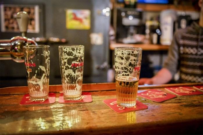 """Elke dag belanden zes jongeren dronken op de spoed: """"Bierlobby houdt efficiënte maatregelen tegen"""""""