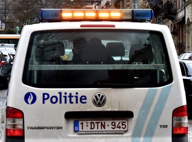 Politie stopt twee overladen voertuigen met meer dan één ton bier